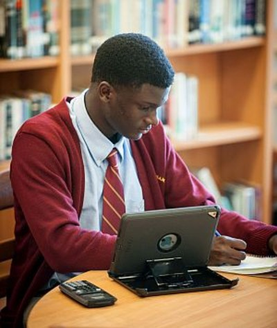 Students can take online classes through the University of Missouri High School or VHS adding flexibility to their schedules